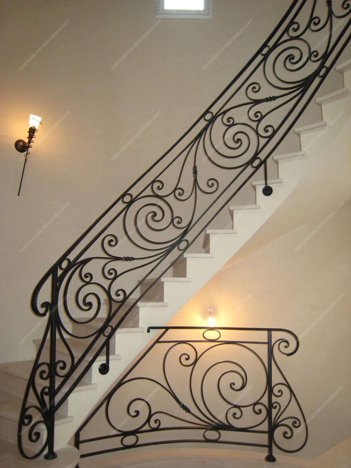 Rampes d 39 escalier en fer forg classique mod le ranelagh for Dessin en fer forge