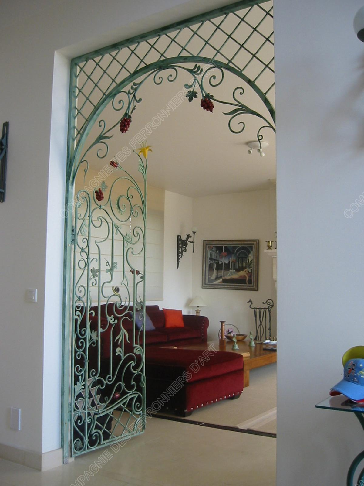 Grilles en fer forg d coratives mod le gor05 baroque for Porte decorative