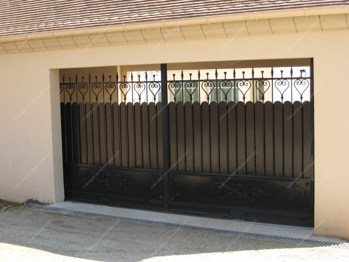 portails en fer forg divers mod le pd 040. Black Bedroom Furniture Sets. Home Design Ideas
