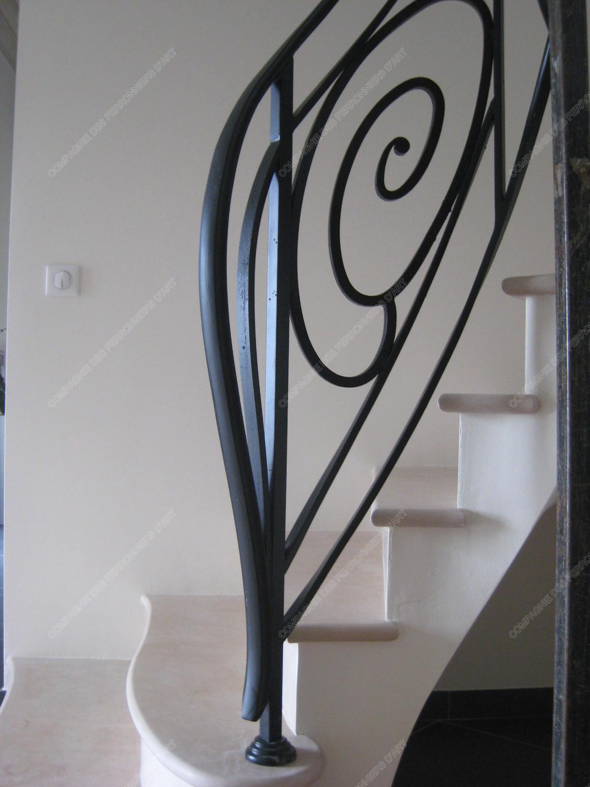 rampes d 39 escalier en fer forg art d coratif mod le coquille. Black Bedroom Furniture Sets. Home Design Ideas