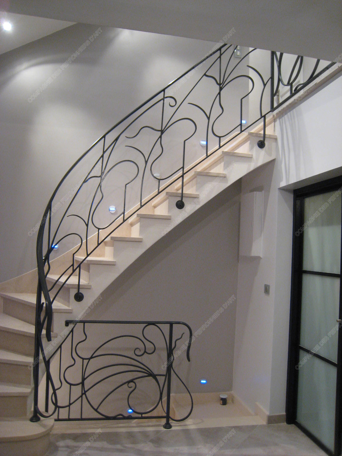 Rampes d 39 escalier en fer forg art nouveau mod le liane arabesque for Dessin en fer forge