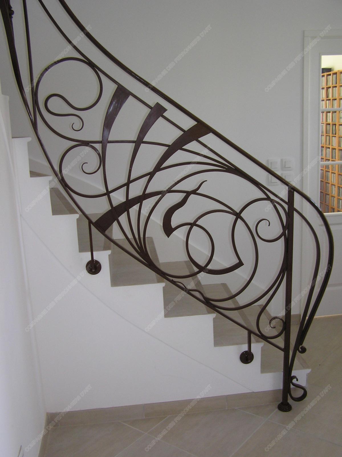 rampes d 39 escalier en fer forg art nouveau mod le nouille. Black Bedroom Furniture Sets. Home Design Ideas