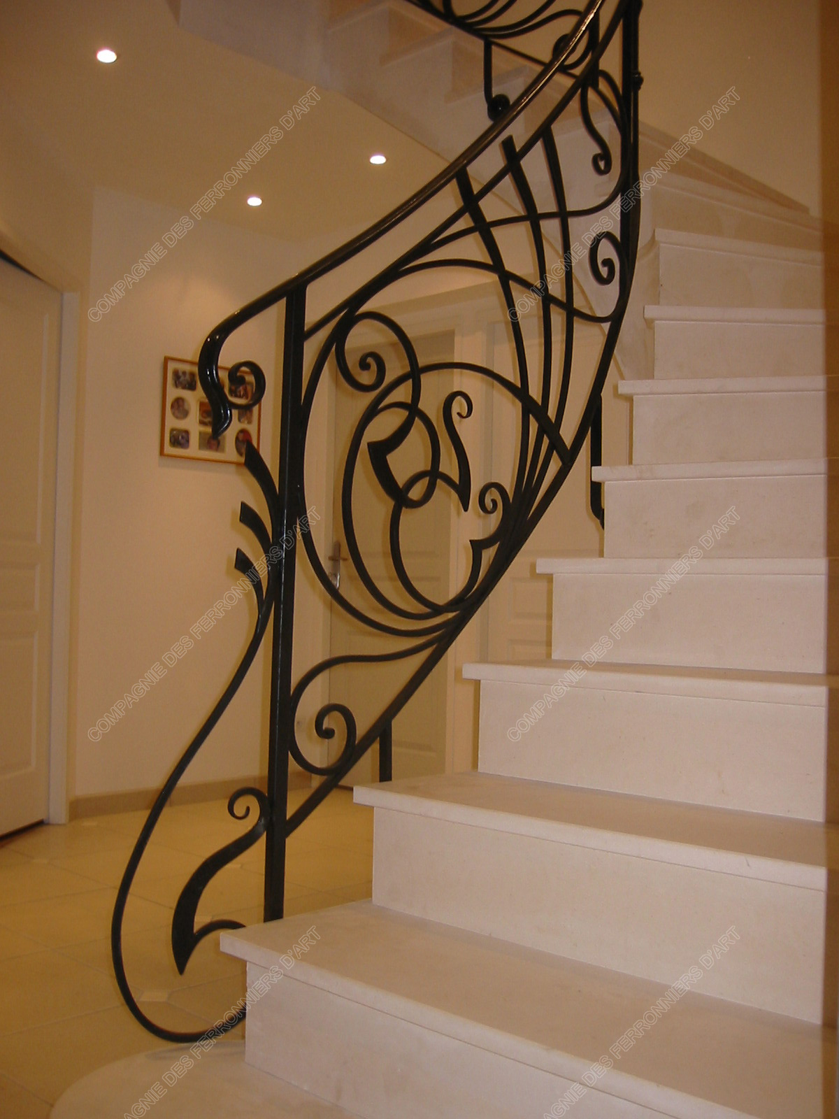 rampe d escalier originale une rampe descalier diy originale avec une corde marine par with. Black Bedroom Furniture Sets. Home Design Ideas