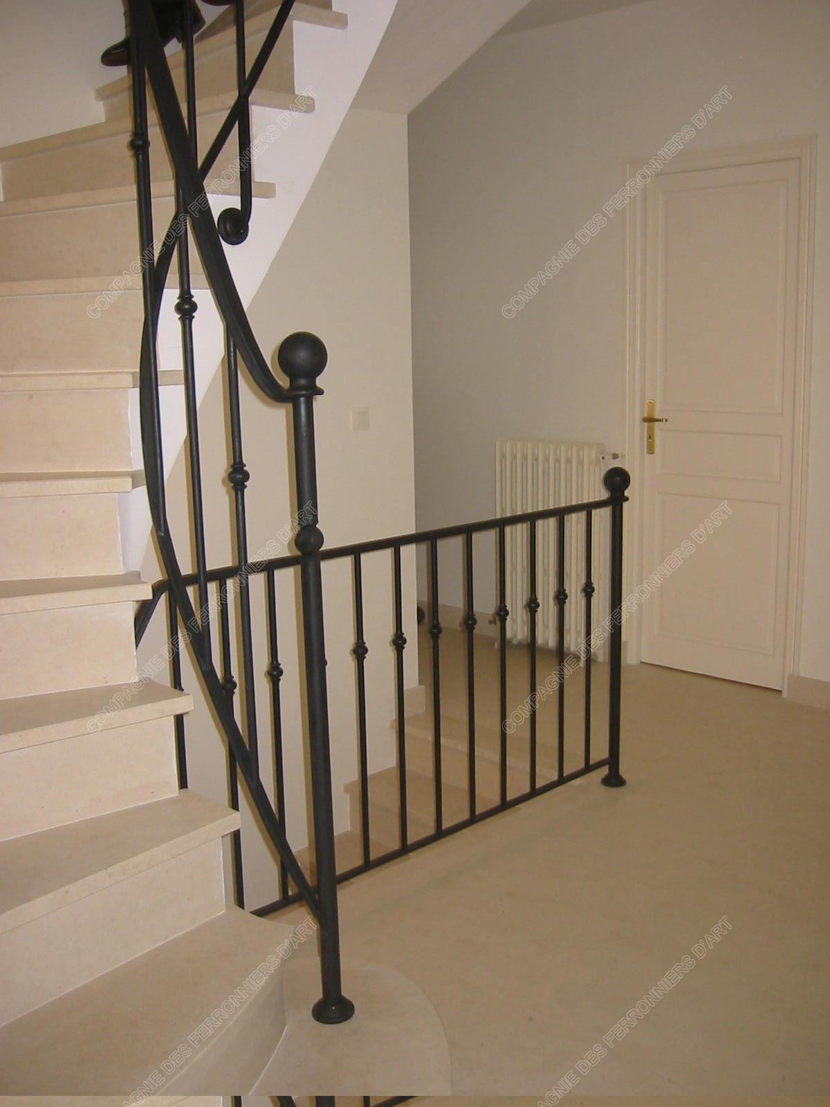 rampes d 39 escalier en fer forg design fonctionnel mod le barreaux. Black Bedroom Furniture Sets. Home Design Ideas