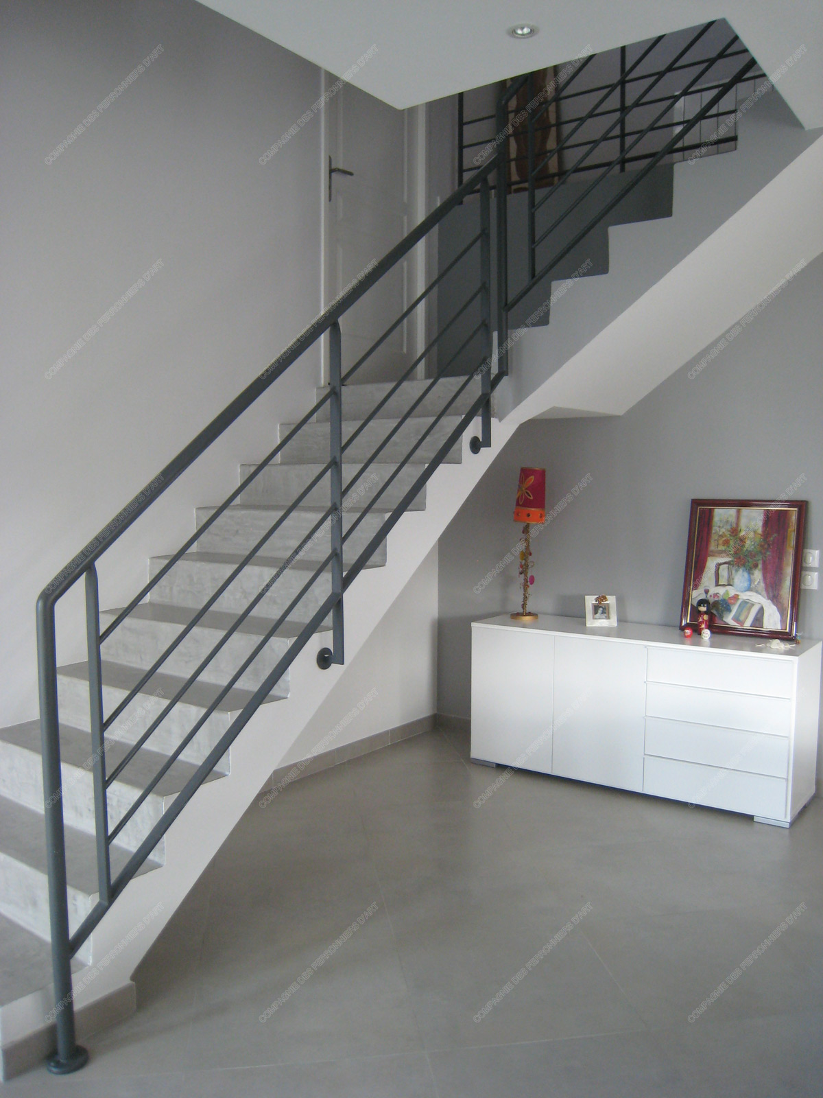 Rampes d 39 escalier en fer forg design fonctionnel mod le for Rampe escalier moderne