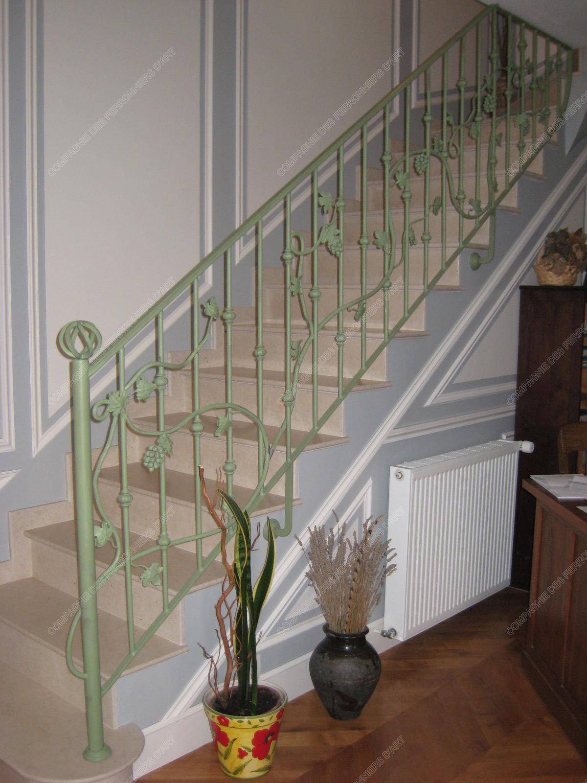 rampes d 39 escalier en fer forg floral et v g tal mod le bourgogne. Black Bedroom Furniture Sets. Home Design Ideas