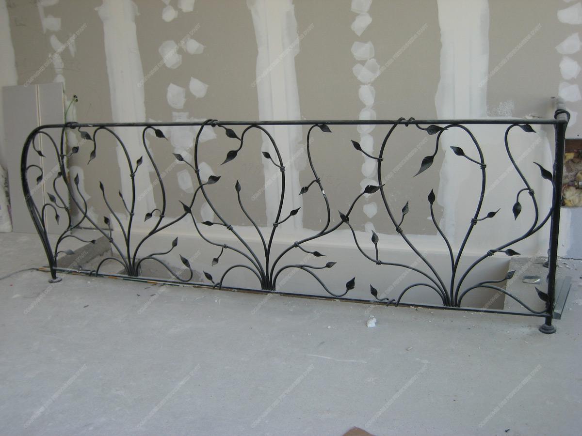 rampes d 39 escalier en fer forg floral et v g tal mod le feuillage prague. Black Bedroom Furniture Sets. Home Design Ideas