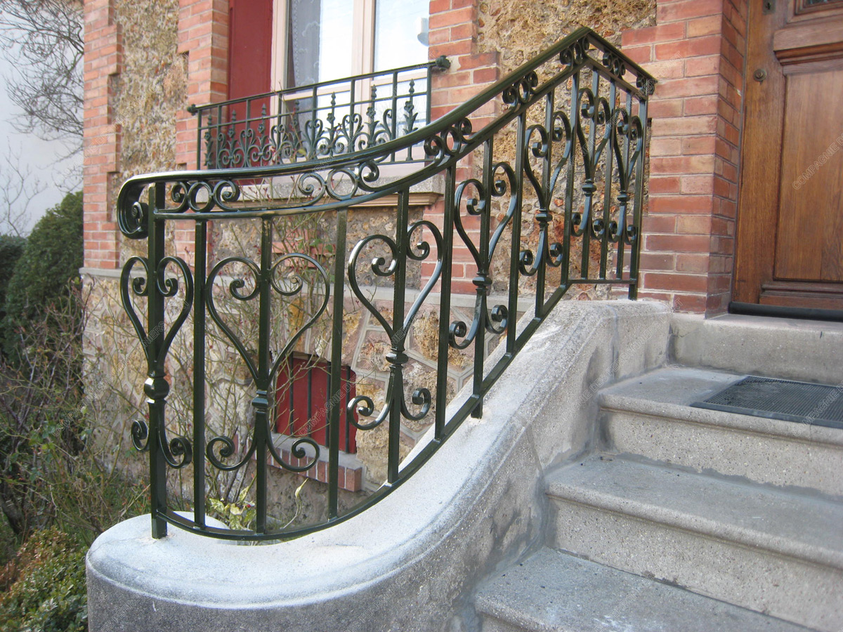 Quelques liens utiles for Balustrade fenetre fer forge