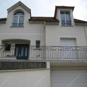 garde corps en fer forg balcon terrasse modernes mod le. Black Bedroom Furniture Sets. Home Design Ideas