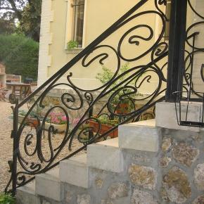 Garde corps en fer forg balcon terrasse modernes mod le - Difference balcon terrasse ...
