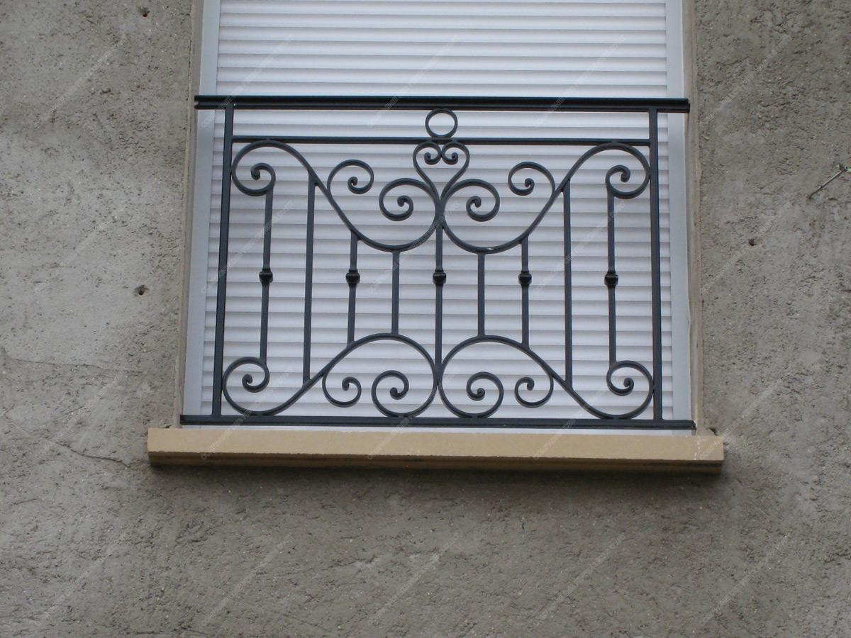 appuis de fen tre en fer forg traditionnels mod le aft02 barreaux volutes 1